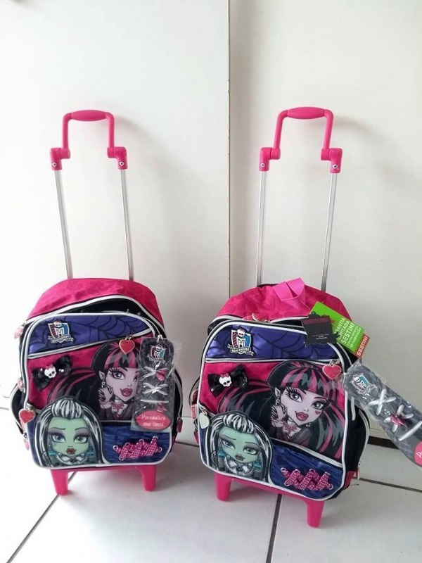 Mochilas monsters high 1